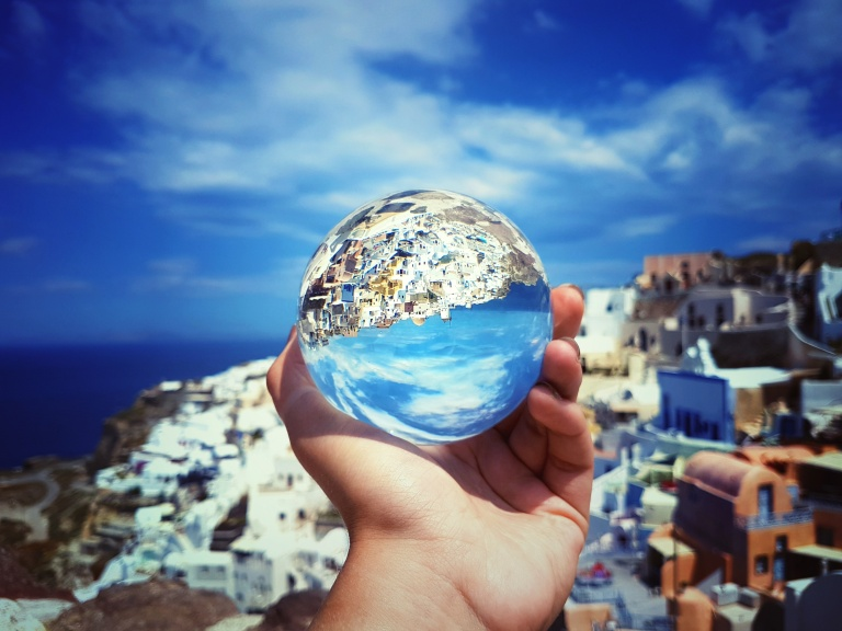 Shift_in_Perspective_Oia_2017